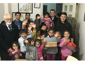 Suriyeli Çocuklara Giyecek Yardımı