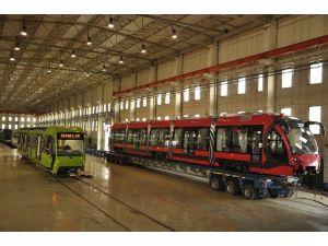 Bursa'da Yeni Vagonlar Raylara İniyor
