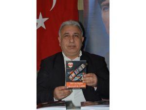 Türk, Kitabını Tanıttı