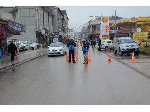 Düzce'de Trafik Ve Zabıta İşbirliği