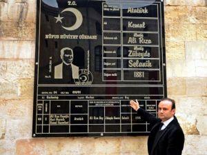 Dev Atatürk Kimliği