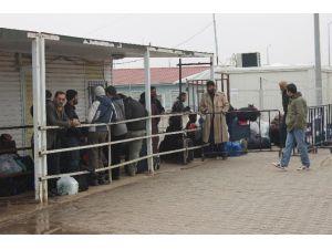 Suriyeliler, Savaşa Rağmen Ülkelerine Dönüyor