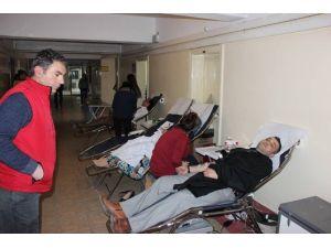 Yozgat Milli Eğitim Personeli Kızalay'a Kan Bağışında Bulundu