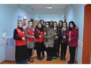Gençlik Merkezi'nden Hastalara Ziyaret