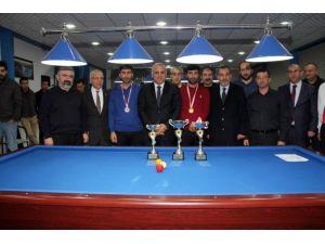 Vali Zorluoğlu Bilordo Şampiyonasında dereceye girenlerin ödüllerini verdi