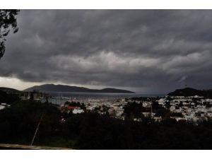 Bodrum Yağmura Hasret