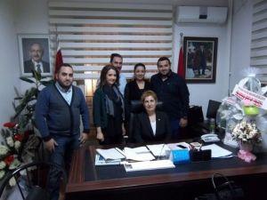 Gaziantep Girişimci İç Mimarlar Derneği Yöneticileri CHP'ye Ziyaret