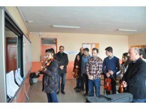Öğrenciler müzikle motive oluyor