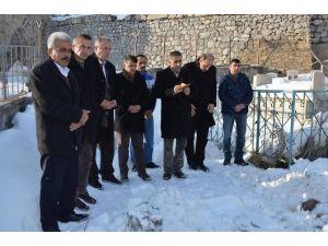 Gazeteci Keskin Mezarı Başında Anıldı