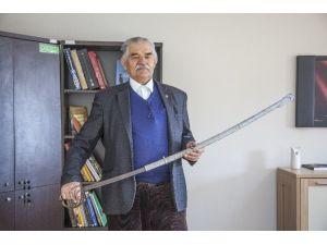 200 Yıllık Kılıcı Müzeye Bağışladı