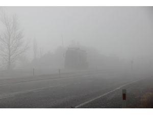 Çankırı-Kastamonu yolunda sis sürücülere zor anlar yaşatıyor