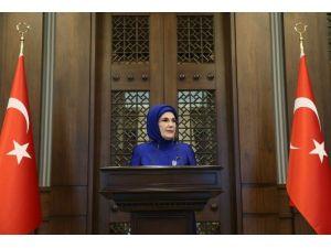 Emine Erdoğan, Kadın Büyükelçiler Ve Büyükelçi Eşlerini Cumhurbaşkanlığı Külliyesi'nde Ağırladı