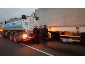 Nusaybin'de Irak yolundaki şoförler susuz kaldı