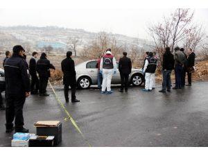 Otomobilinde Silahla Vurulmuş Halde Bulundu