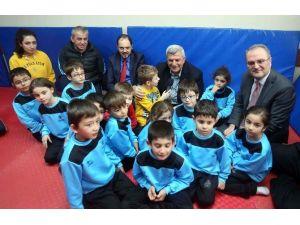 """Başkan Karaosmanoğlu: """"Spor Okulları Türkiye'ye Model Olacak"""""""