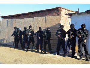Kırşehir'de terör örgütü operasyonunda 14 kişiyi gözaltına alındı