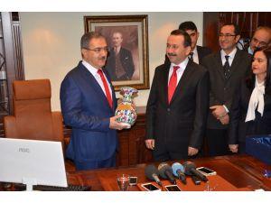 Selçuk Üniversitesi'nde yeni Rektör Prof. Dr. Şahin görevi devraldı