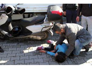 Motosikletin çarptığı ilkokul öğrencisi ağır yaralandı