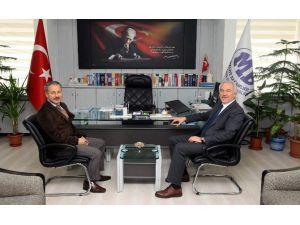 Başkan, Defterdar Ömer Faruk Önel'i Ziyaret Etti