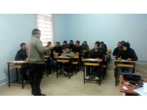 Kulu'da Suriyelilere Türkçe Eğitimi