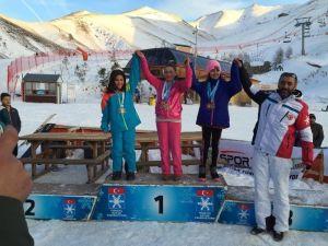 Develi, Kayak Şampiyonasında Altın Madalya Kazandı