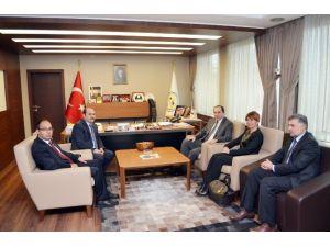 Rektör Alkan'dan Başkan Eyvaz'a Ziyaret