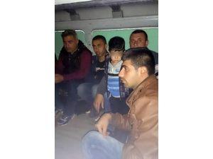 Edirne'de Suriye Uyruklu 23 Kaçak Göçmen Yakalandı
