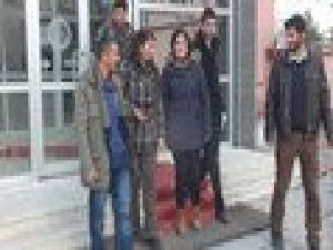 YENİDEN-Bildiriye imza attığı gerekçesiyle gözaltına alınan okutman serbest