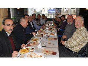 Bandırma'da Gazeteciler Kahvaltıda Buluştu
