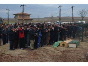 Çınar'daki patlamada hayatını kaybedenler toprağa verildi