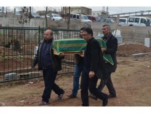 Terör kurbanı baba, iki çocuğuyla birlikte toprağa verildi