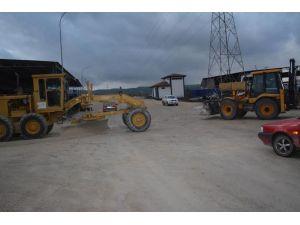 Osmaniye Belediyesi sanayi sitesini asfaltlıyor