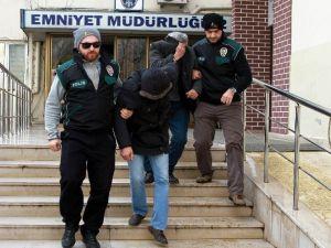 17 Kilo Esrarla Yakalanan 2 Kişi Tutuklandı
