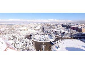 Büyükşehir'in Başarılı Kar Mesaisi