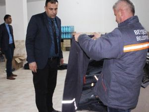 Beyşehir Belediyesi Personeline Koruyucu Kışlık Elbise