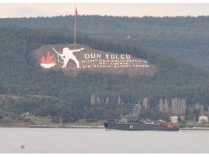 Bulgaristan Askeri Gemisi Çanakkale Boğazı'ndan Geçti
