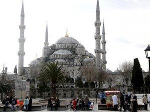 Sultanahmet'te kılınacak cuma namazına Erdoğan ve Davutoğlu'nun da katılması bekleniyor