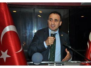 Kars'ta CHP'nin İki Belediye Meclis Üyesi MHP'ye Geçti