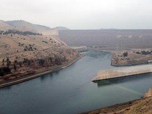 Türkiye'nin en büyük barajı doldu