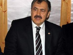 Bakan Eroğlu'dan Bildiriye İmza Atan Akademisyenlere Tepki