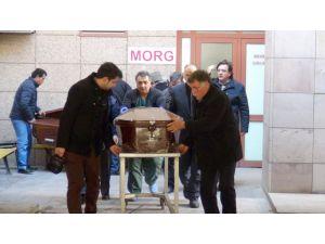 Kireç tankına düşen işçilerden ikisinin cenazesi adli tıptan alındı