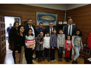 Sevgi Evlerinin Çocukları Başkan Yılmaz'ı Ziyaret Etti