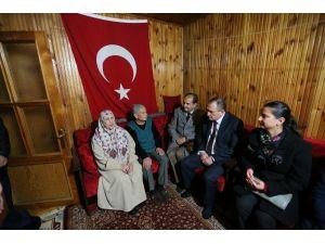 Bolu Belediye Başkanı Yılmaz Görme Engelli Vatandaşları Ziyaret Etti