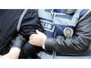 İki Kapkaççı Kaçtıkları Araçla Birlikte Yakalandı