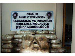Kırşehir'de 297 kilo esrar maddesi ele geçirildi