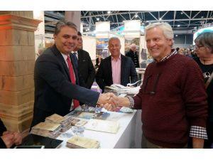 Başkan Uysal, Hollandalıları Antalya'ya Davet Ediyor