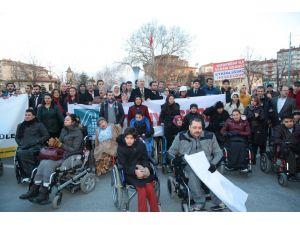 Avrupalı Türklerden engellilere destek