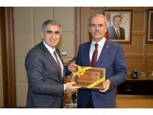 """Altepe: """"Medeniyet Şehri Bursa'nın Değerlerini Nakış Nakış İşliyoruz"""""""