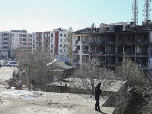 Çınar'da 400 iş yeri hasar gördü