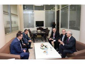 Kılıçdaroğlu, Kurultay Misafirleri İle Görüştü